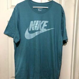 Nike teal t-shirt
